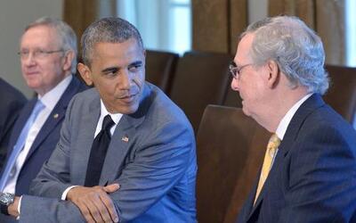 """Mitch McConnell: """"Esperamos trabajar con el Presidente"""""""