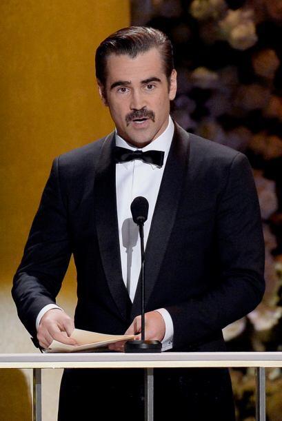 "Colin Farrell con todo y ""bigotito""."
