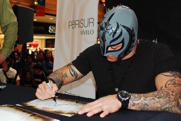 El luchador participará en el reality WWE Tough Enough, un show c...