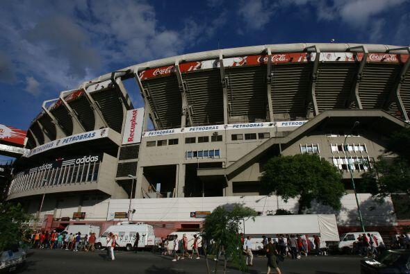 Se llama Antonio Vespusio Liberti y tiene capacidad para 67.000 personas.