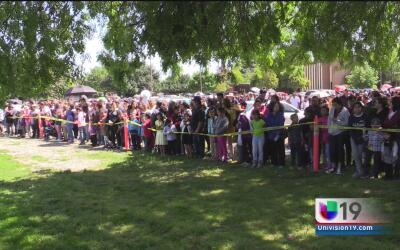 Decenas de feligreses conmemoran el Viernes Santo en Sacramento