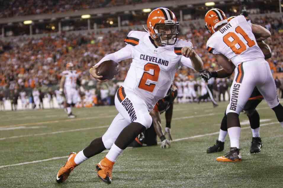 Los Cincinnati Bengals vencieron 31 - 10 a los Cleveland Browns para man...