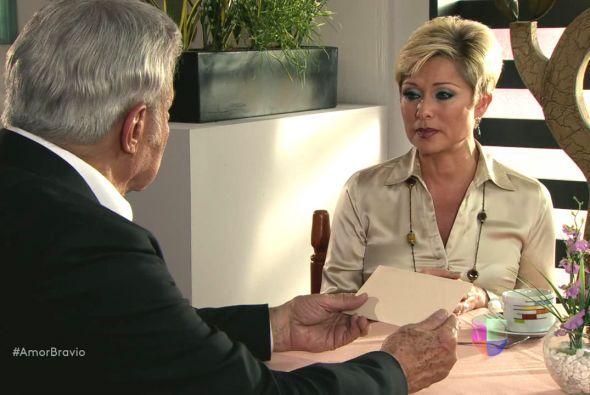 Las cartas pertenecían a un tiempo en que Cayetano y su esposa tenían pr...