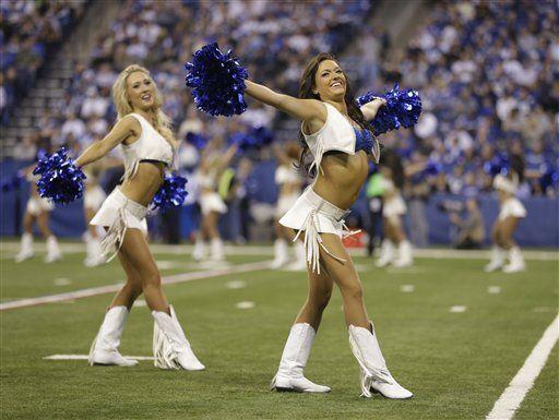 Estas lindas porristas de Indianapolis prendieron el partido de Comodine...