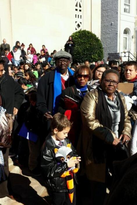 Como no pudieron hablar con Boehner, los niños le dejaron cart6as por de...