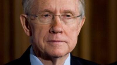 El legislador Harry Reid (Nevada), líder de la mayoría demócrata en el S...