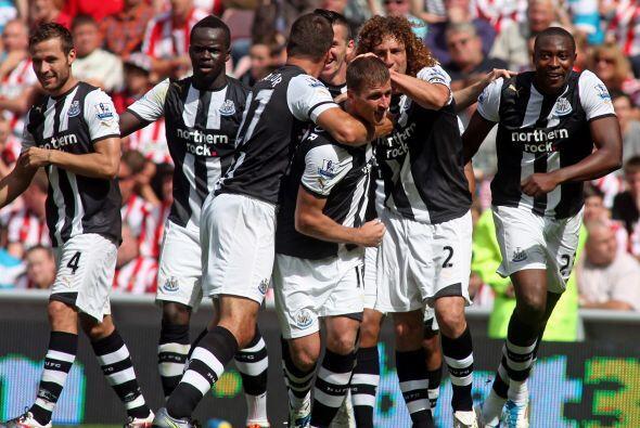 Newcastle venció 2 a 1 al Everton y suma 11 partidos sin conocer...