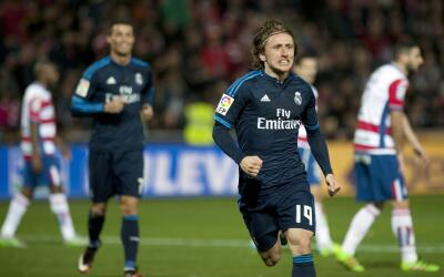 Modric salva triunfo del Madrid con golazo