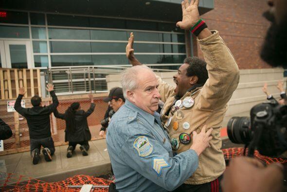 Según el portavoz de la policía, los arrestos se produjeron después que...