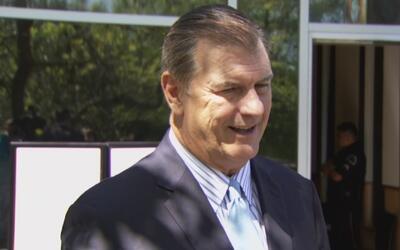 El alcalde Mike Rawlings asegura que en Dallas se protege a los inmigran...