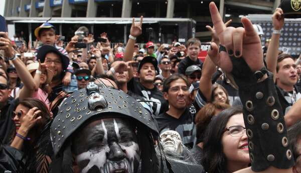 NFL Mexico Raiders.jpg