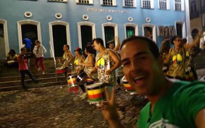 Carlos Calderón empezó la fiesta en El Salvador, la primera ciudad de Br...