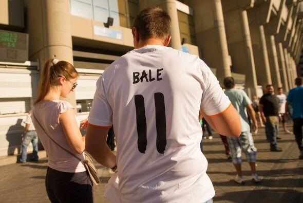 La afición de Real Madrid quería presenciar el debut del refuerzo Gareth...