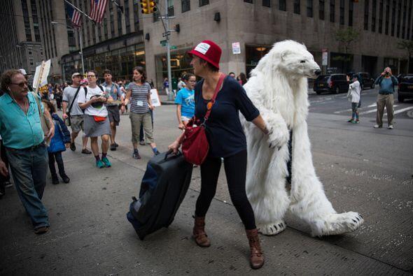 Durante la marcha de NY se pudieron ver impactantes protestas pacíficas...