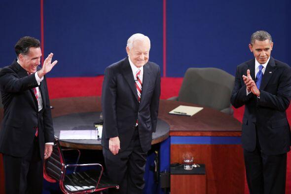 El moderador Bob Schieffer, de CBS News, planeó seis segmentos de...