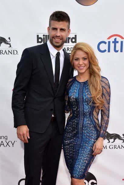 Shakira y Gerard Piqué fueron los reyes de la alfombra. Mira aqu&...