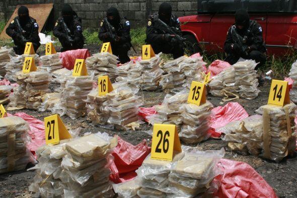 El trasiego de cocaína, heroína y marihuana es ejecutado,...