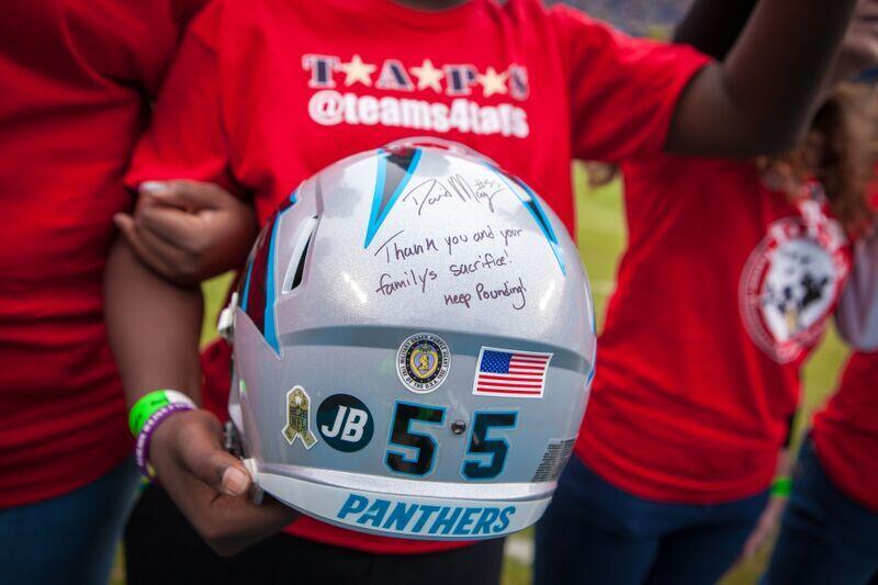 Cuarenta y seis héroes caídos fueron honrados y 46 familias se sintieron...