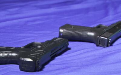 Aumenta el uso de pistolas falsas para cometer robos en Arlington