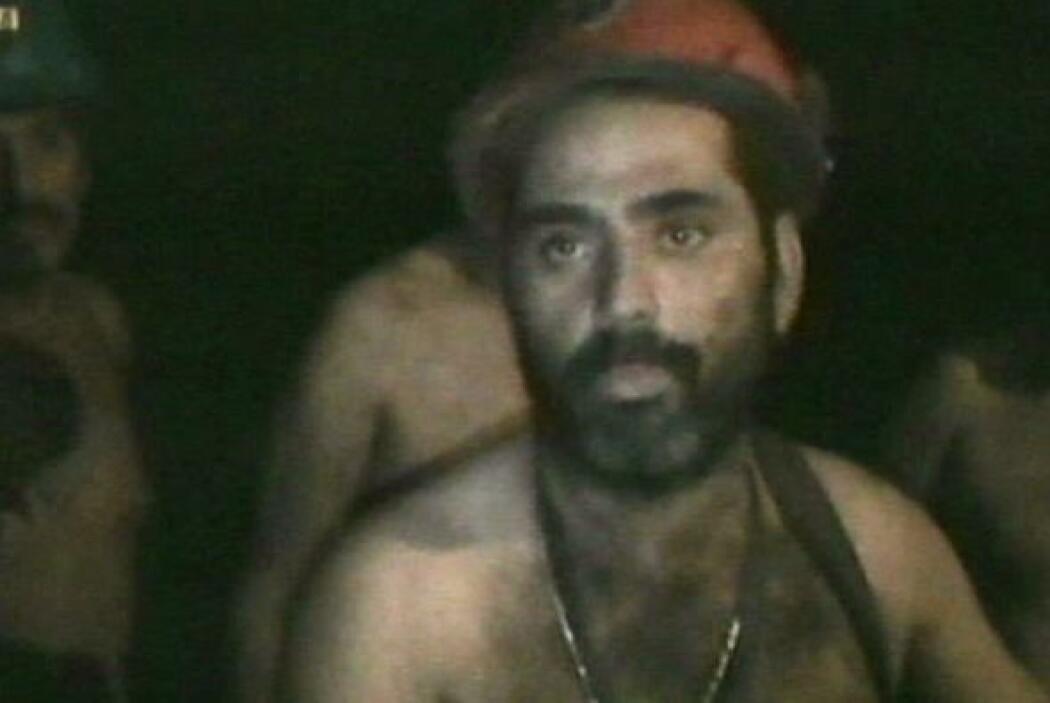 Treinta y tres trabajadores chilenos sobevivieron 70 días a unos 700 met...