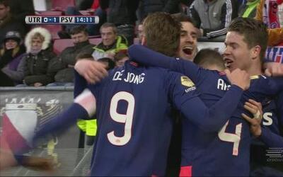 FC Utrecht 0-2 PSV Eindhoven: El PSV gana en Utrecht y no suelta el lide...