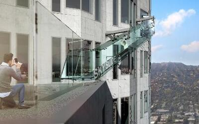 Un nuevo tobogán de vidrio a mil pies de altura