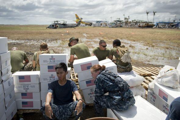 Otros buques estadounidenses llegaron con alimentos y medicinas.
