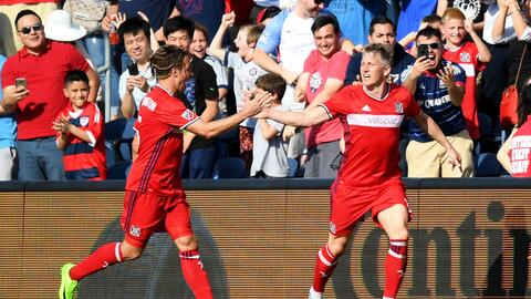 Bastian Schweinsteiger abrió el marcador frente a New England Revolution.