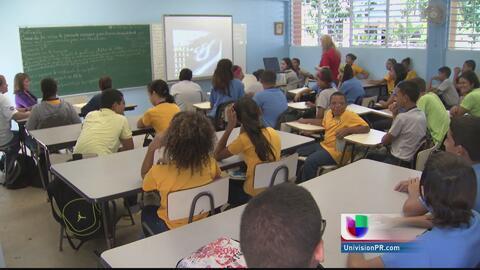 Estudiantes realizan el simulacro de terremoto en las escuelas del país