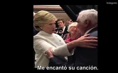 Hillary Clinton agradece a Vicente Fernández en su fiesta mexicana del d...