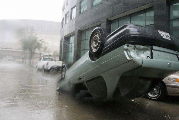 Huracán Katrina. Considerado por algunos como uno de los fen&oacu...