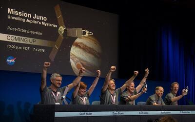 La difícil maniobra de Juno para comenzar a orbitar alrededor de Júpiter