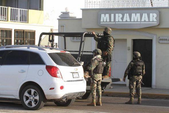 En esta imagen, miembros de la Marina Armada de México manten&iac...
