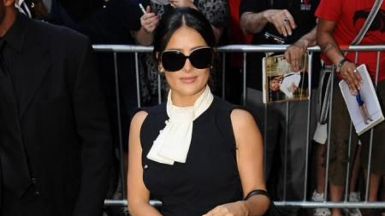 La hermosa actriz y empresaria mexicana confesó que tuvo una juventud to...
