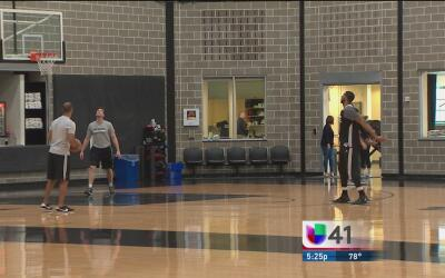 Los Spurs de San Antonio vuelven a tener acción en la duela del AT&T Center
