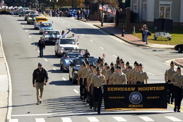 Imagen del desfile celebrado en el Día de los Veteranos en Mariet...