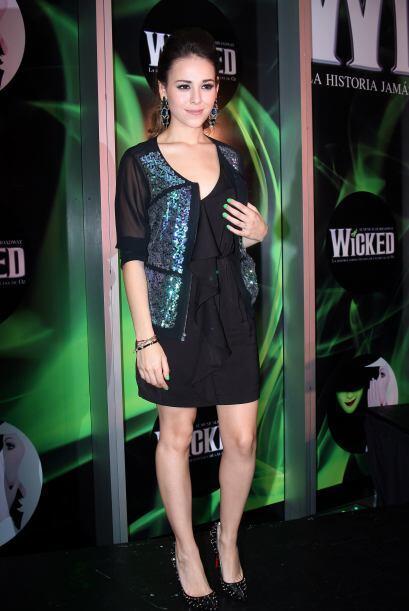 Danna Paola es, sigue y seguirá siendo un ícono de belleza y talento par...