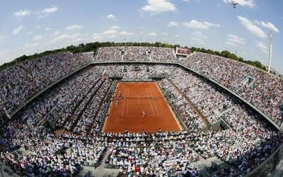 Como siempre la final de Roland Garros está llena a reventar.