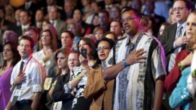 Los aspirantes republicanos batallan por conquistar un esquivo voto que...