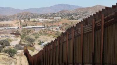Un tramo del muro fronterizo en Arizona