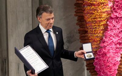 Santos recibe el diploma y la medalla del Nobel de la Paz