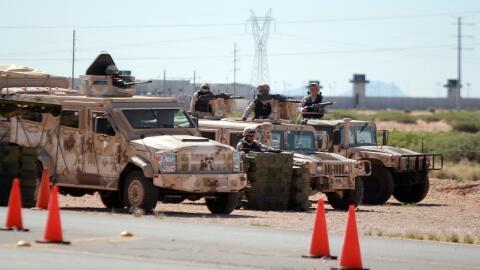 Soldados mexicanos en las afueras del CEFERESO 9, en Ciudad Juáre...