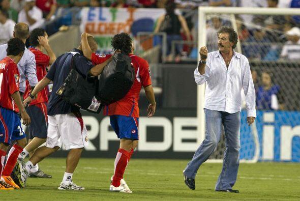 La Volpe volvió a un banquillo de selección en 2010 con Co...