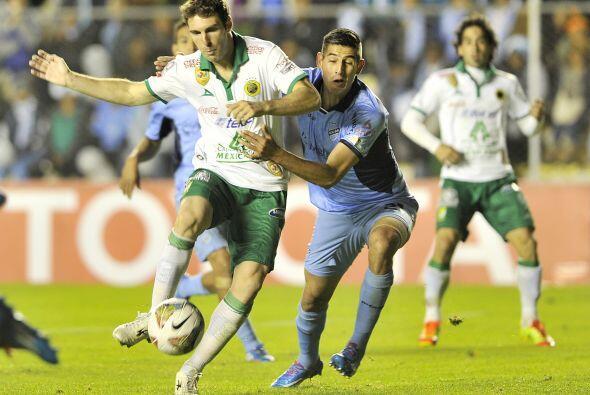 Boselli no se cansó de buscar la portería rival. El delantero argentino...
