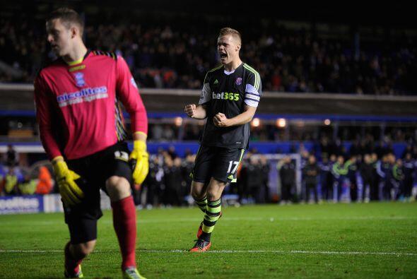 Pero el Stoke mostró pegada nuevamente en tiempos extra, donde el Birmin...