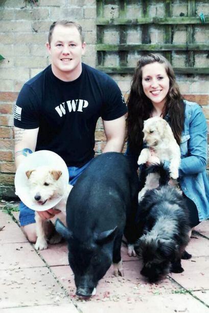 Emily Keaters y su pareja Dustin Graziotte de 28 años de edad, rescataro...