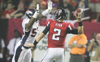 Ofensiva de Falcons tendrá una gran prueba ante la defensiva de Broncos