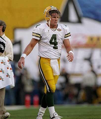 La caída en San DiegoUn año después, el 25 de enero de 1998, Favre regre...