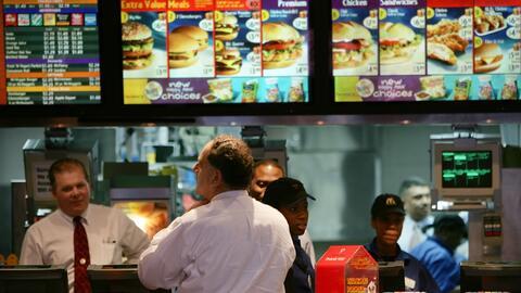 La mayoría de los restaurantes y cadenas de comida rápida con al menos 2...