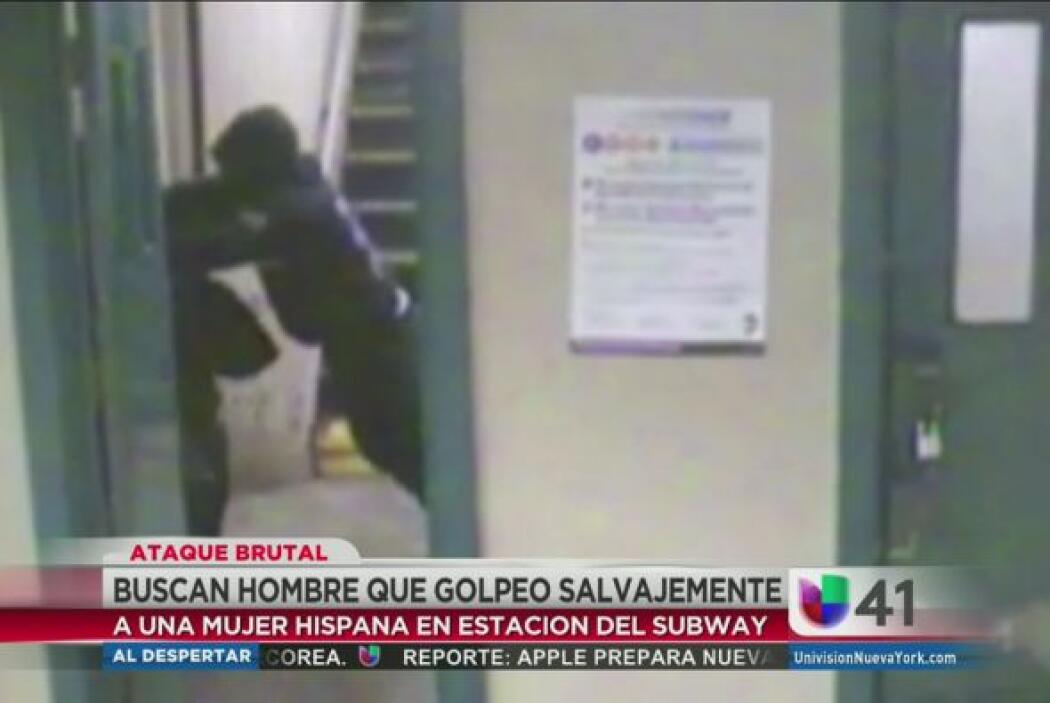 Una mujer hispana fue arrastrada, golpeada y pateada en una estación del...